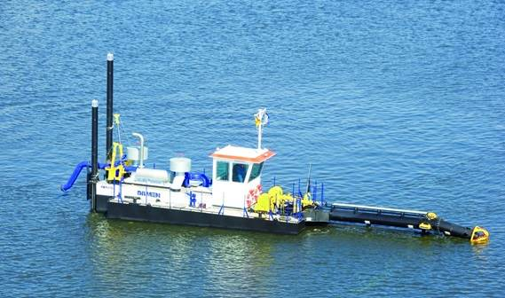 A Damen Cutter Suction Dredger, type CSD 250, has been delivered to the paradisiacal islands of the Maldives.