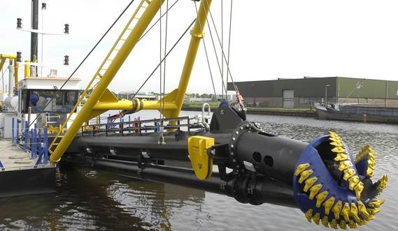 The CSD350 has replaceable cutter teeth which can be adapted for dredging