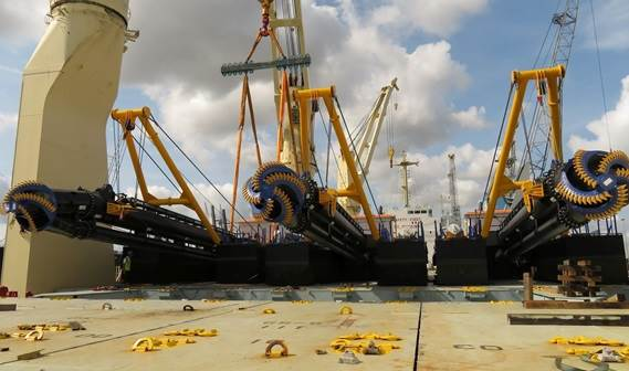 Three standard dredgers have been delivered from stock to Bangladesh.
