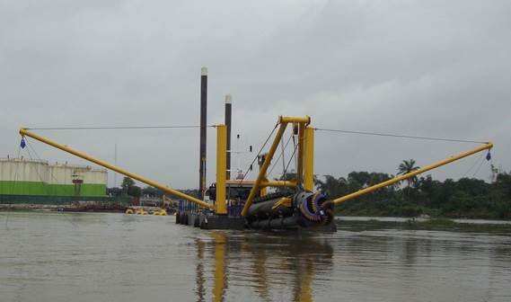 A CSD500 was shipped to Nigeria in November 2013 to work on clearing and maintaining a river for inland transport