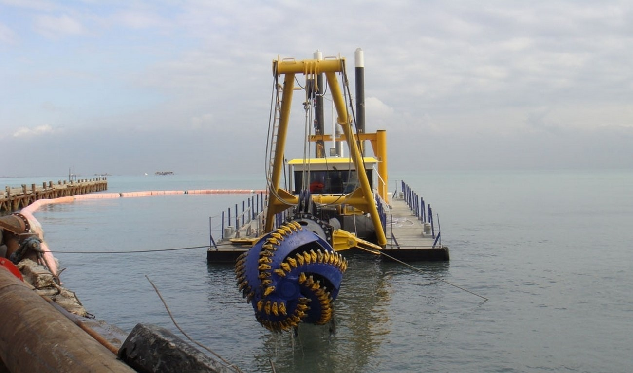 The cutter suction dredger type CSD500 was partly built at the DDE yard in the Netherlands