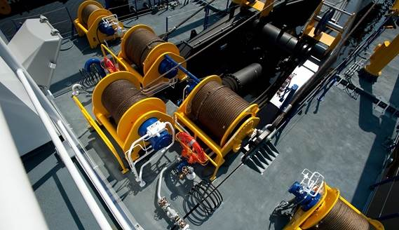 Powerful winches ensure an impressive swing width of over 62m
