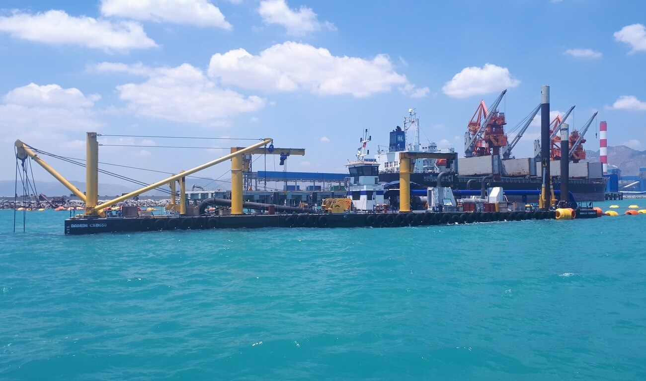 Cutter Suction Dredger 650 with Submersed Dredge Pump