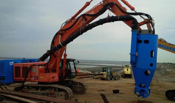 A separate power pack is mounted on the excavator to drive the DOP Pump and cutter unit