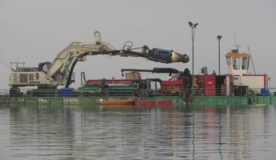 The floating DOP dredging plant designed for use around the clock