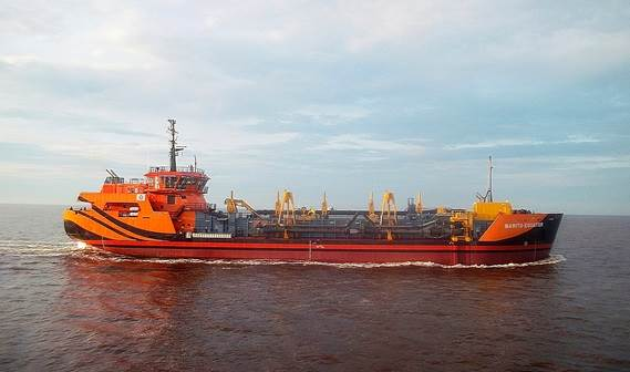 The 2,500 m3 capacity Damen TSHD 2500 is the first of its kind built in Indonesia and also the largest Damen standard hopper dredger built to date.