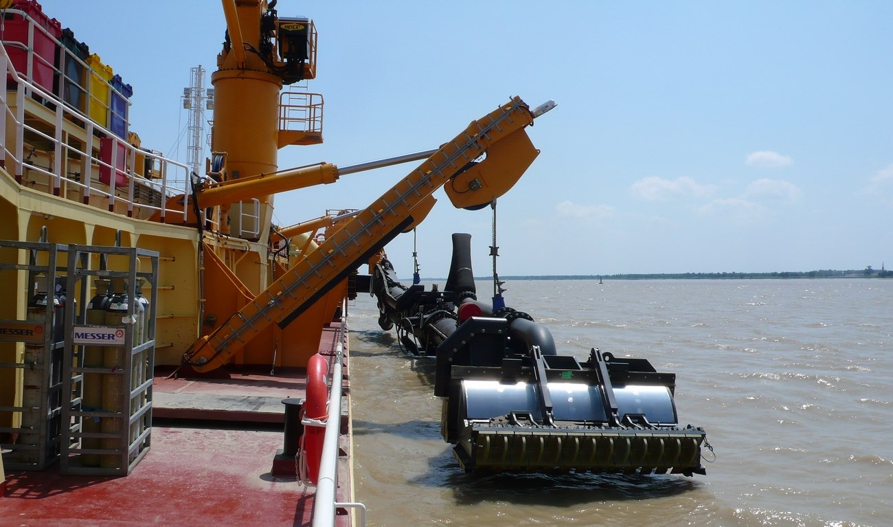 The 'Jean Ango' is equipped with a 600 mm Damen trailing pipe for working at a maximum dredging depth of 26 metres.