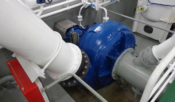 An efficient Damen dredge pump, mounted in the engine room near the suction inlet