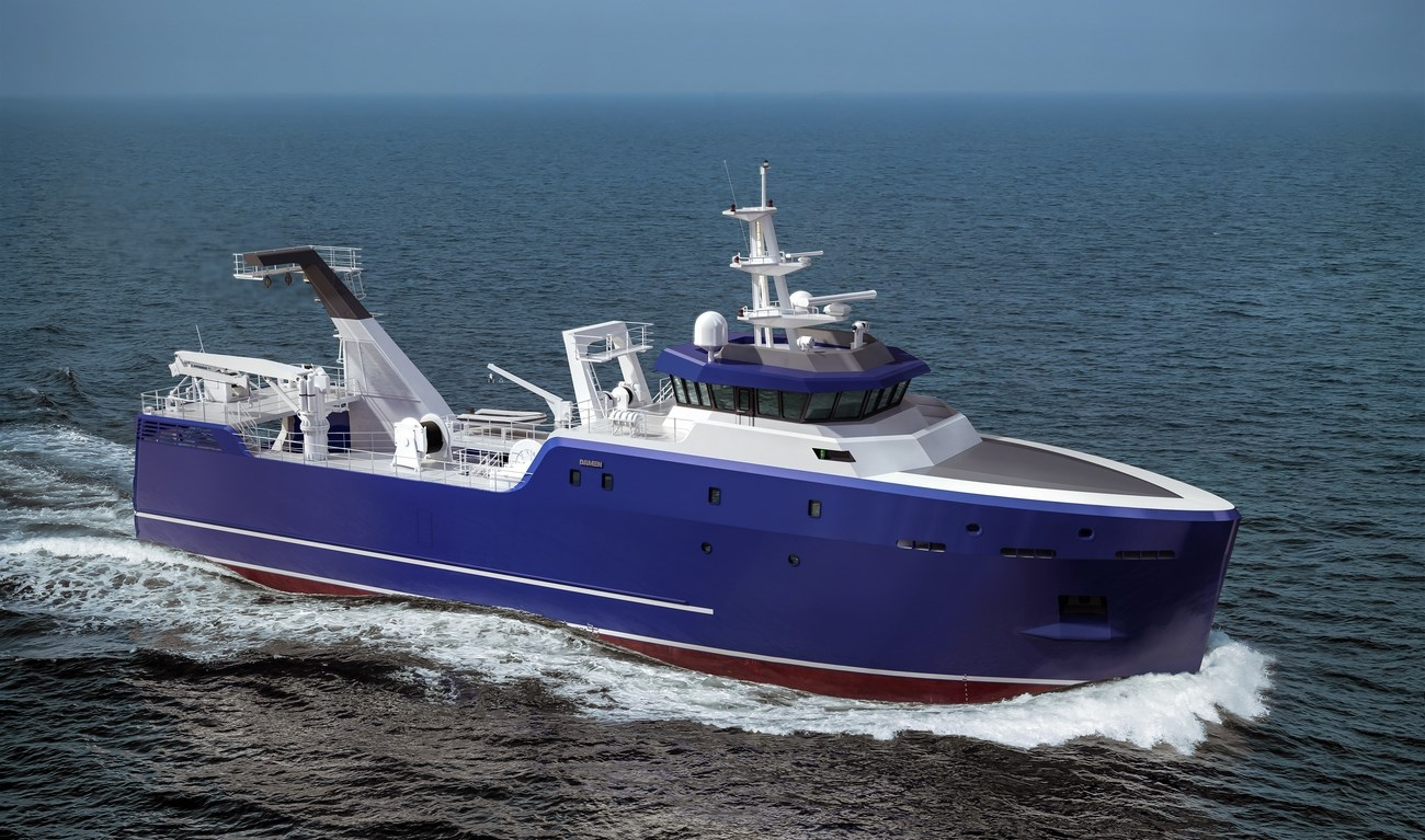 Stern trawler for bottom and pelagic trawling, processing, freezing and packing of the product, storage on board