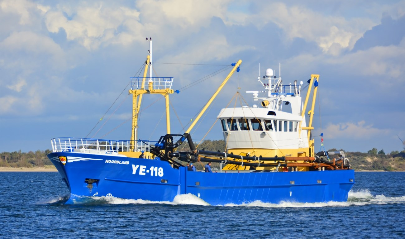The Damen Shellfish Dredger is a highly manoeuvrable vessel and can be equipped to harvest mussels, oysters and razor shells.