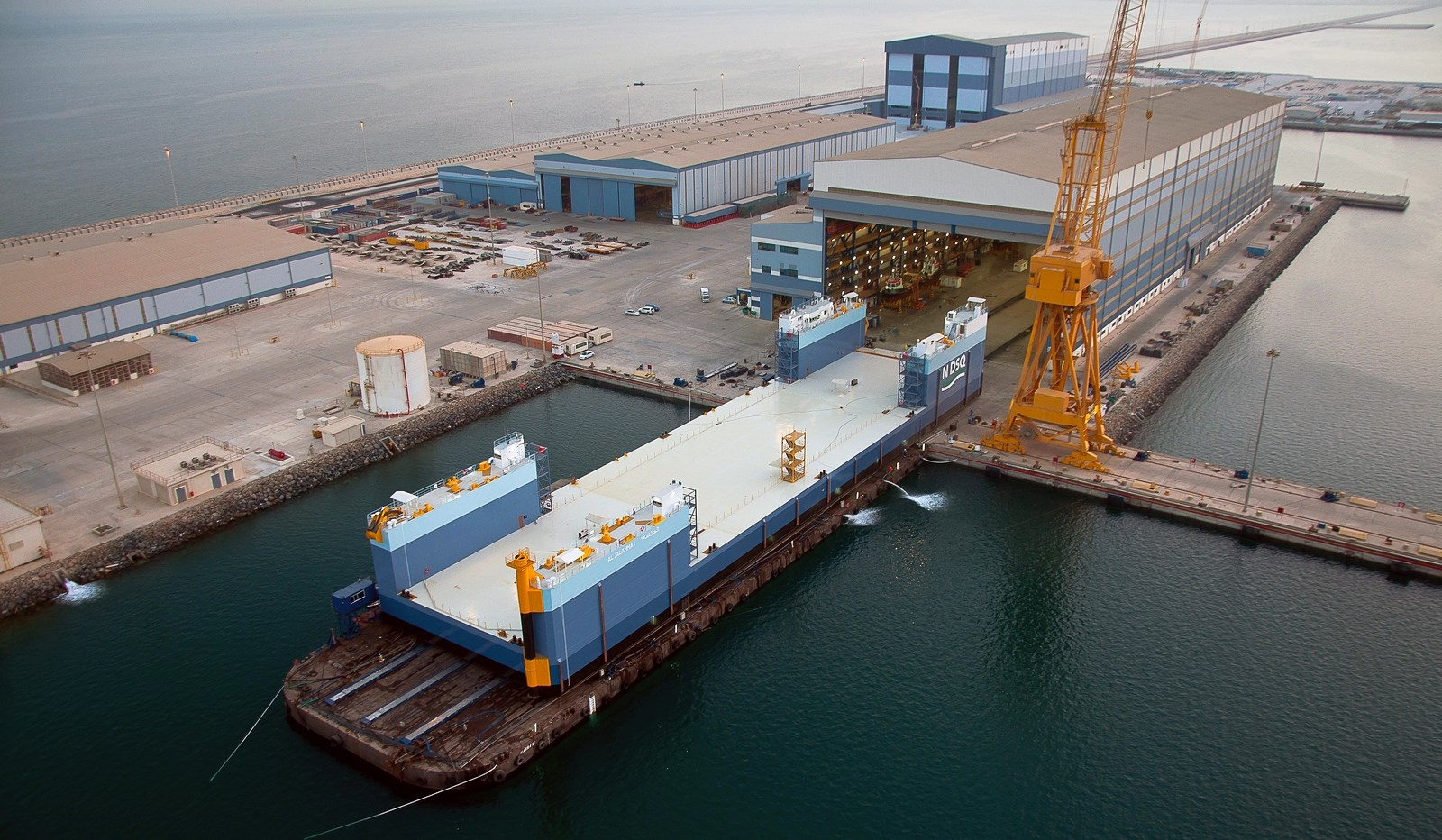 the damen loadout recovery barge is designed to loadout and recover vessels