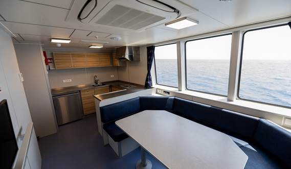 Crew cabins Fast Crew Supplier 2710