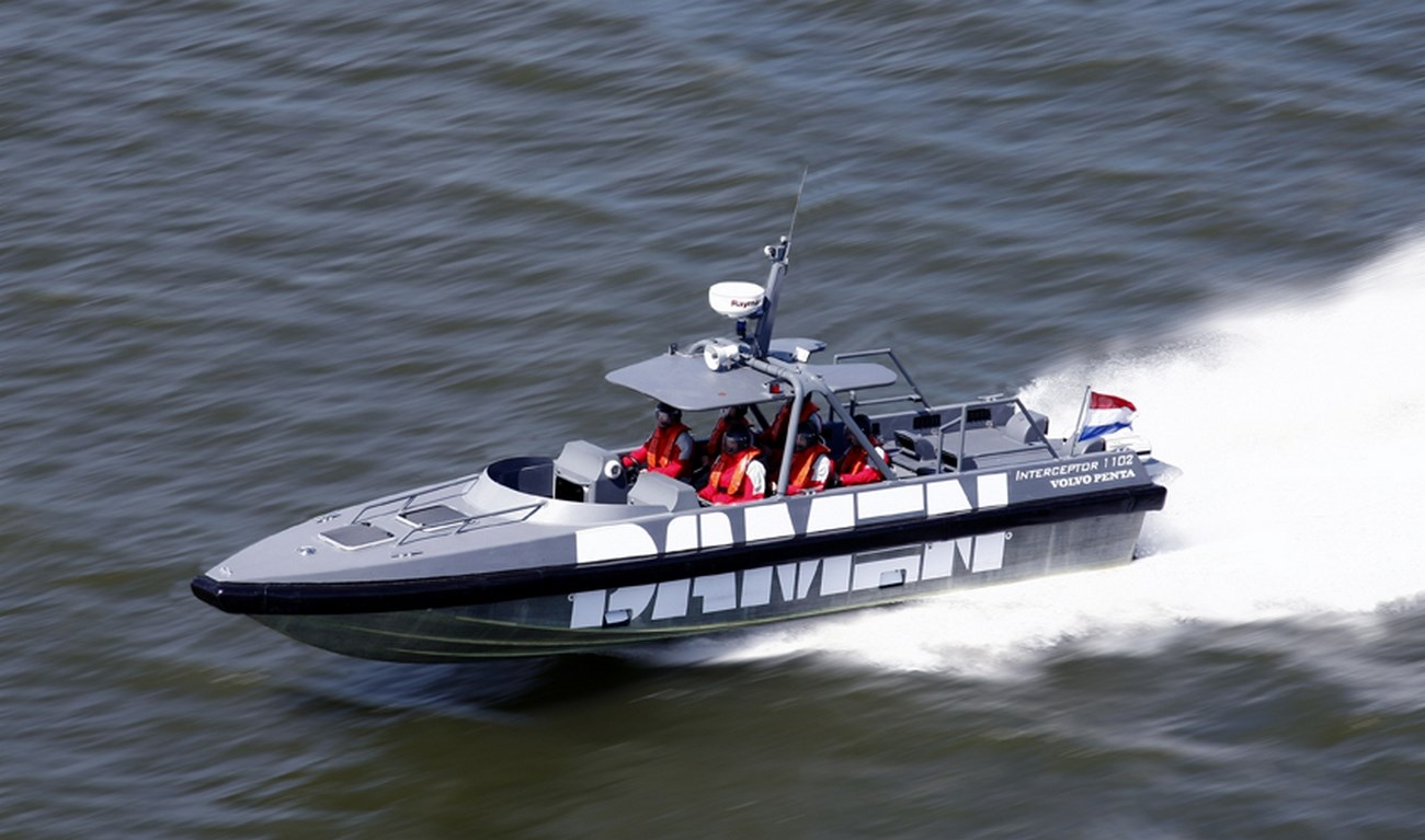 THIS ULTRA-FAST VESSEL IS AN EXCELLENT CHOICE FOR ANTI-SMUGGLING OR ANTI-TERRORIST OPERATIONS