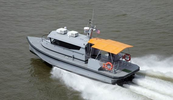 The modern hull form has low resistance and delivers excellent manoeuvrability