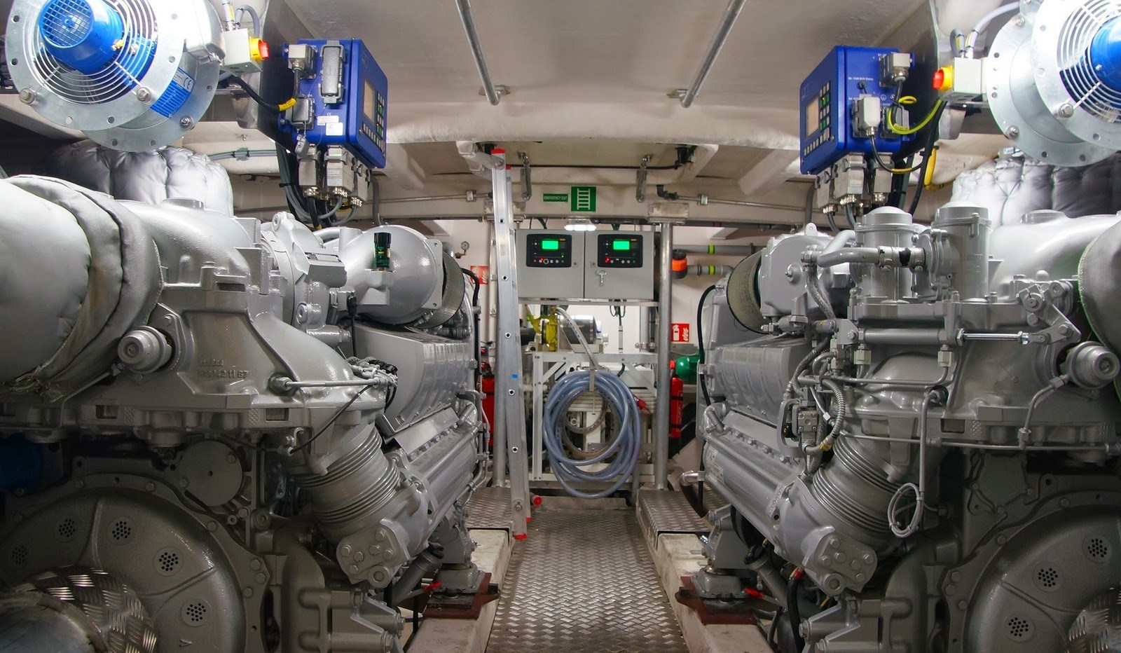 Pilot Boats on Lightweight Engines