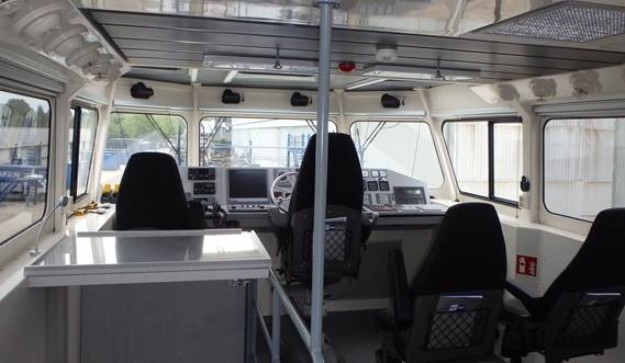 VESSELS ARE COMPLETELY OPTIMISED FOR PILOTAGE IN HARBOURS AND COASTAL WATERS