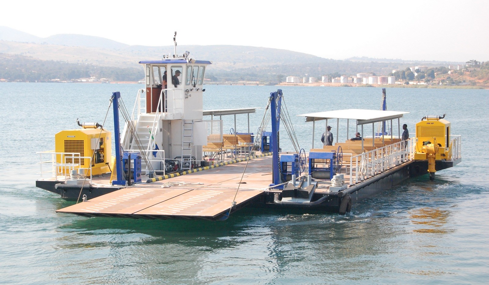 Small modular car ferry for safe & fast river crossing service