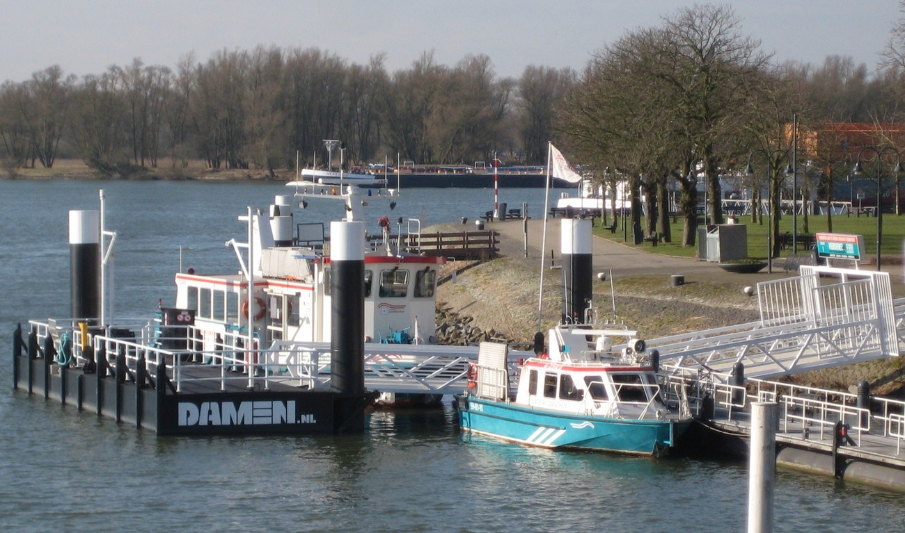 Damen Modular Jetty can be provided with access bridges, gangways and required civil works, can be attached to the shore