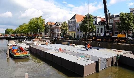 The Damen Modular Concert Pontoon consists of container sized units to fit your location.