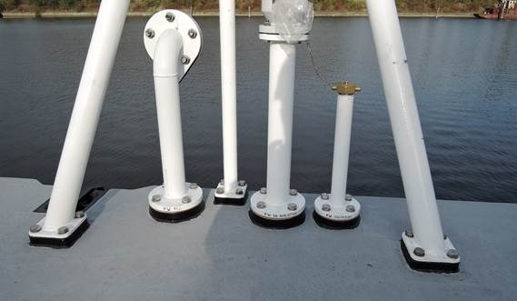 All tanks of the Damen Modular Pontoon are provided with marine type filling, deaeration and sounding pipes.