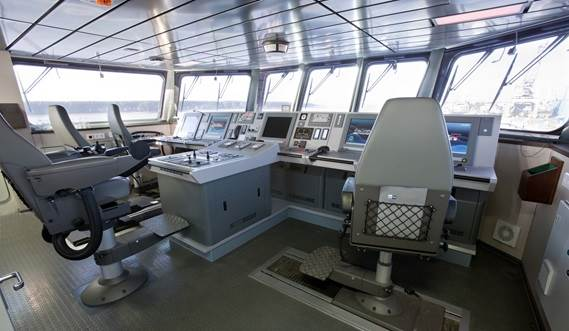 Damen Offshore Patrol Vessel 950 - bridge