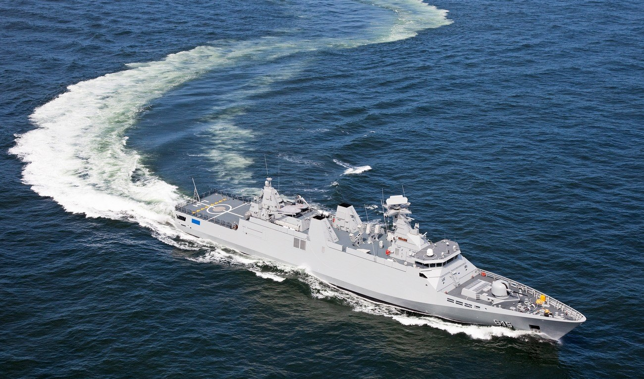 SIGMA frigates are designed in a modular way, using standardised solutions with commercial off-the-shelf equipment where possible, enhanced by military standards where needed.