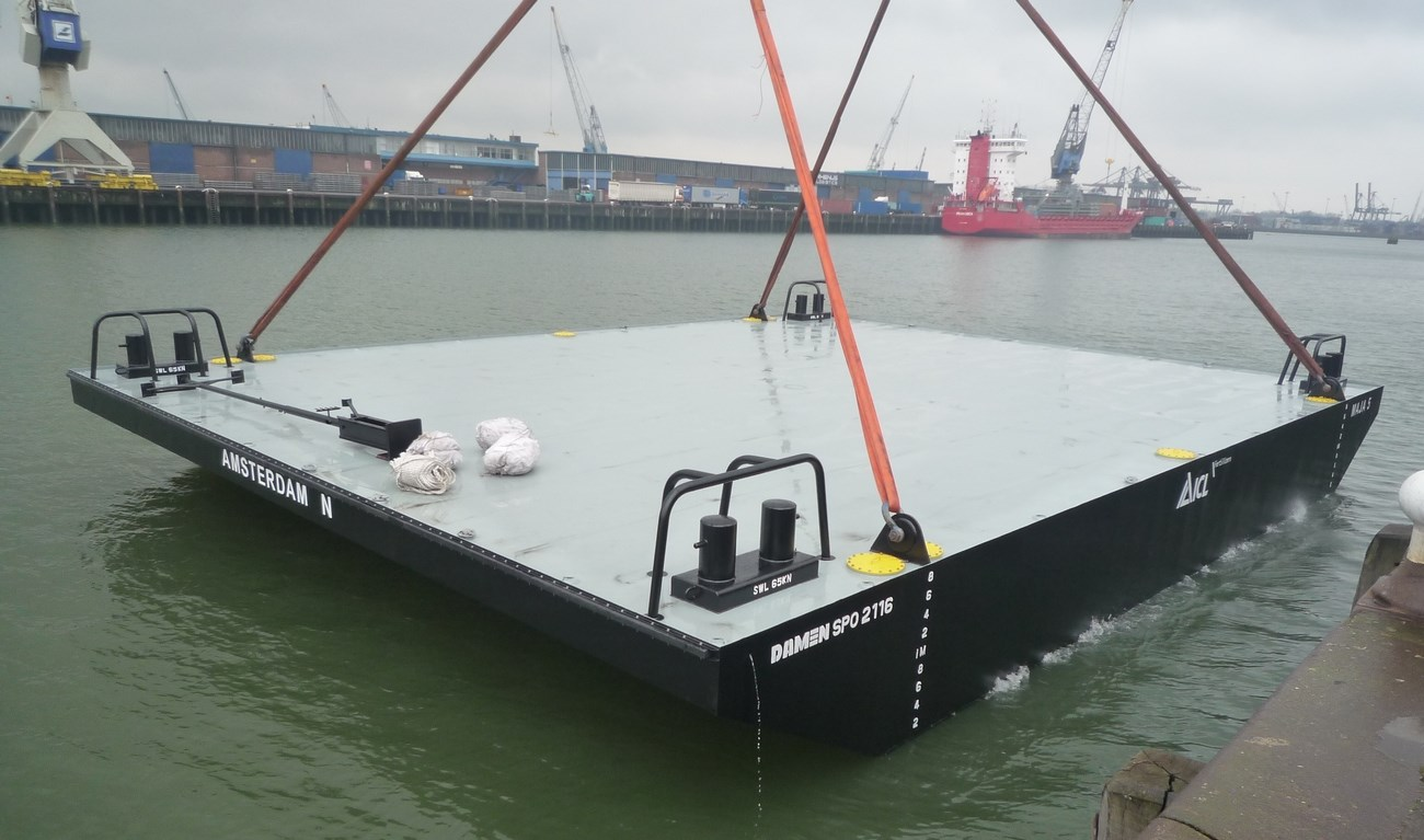 We build stock to be able to provide our clients high quality pontoons with ultra-short delivery times
