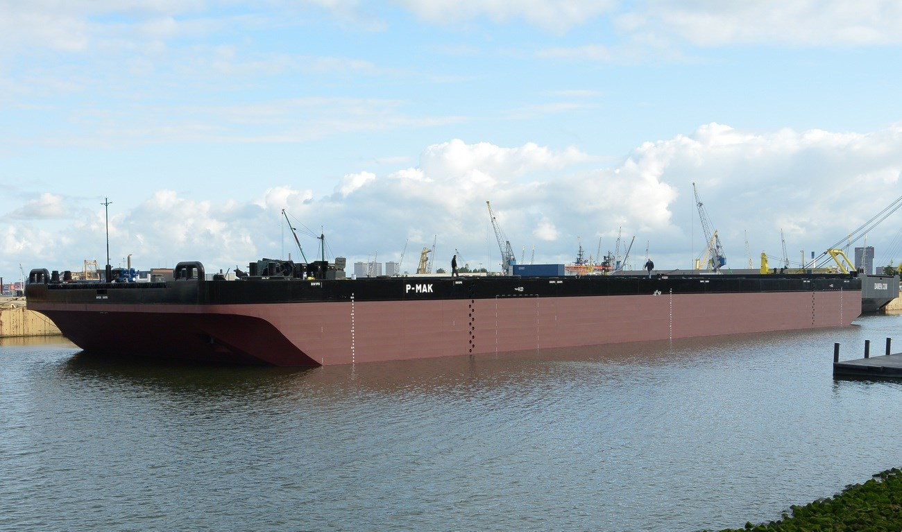 The standard North Sea barge to fit any offshore project