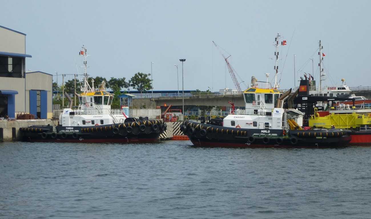 The two new tugs, named Tordo and Mirlo after Chilean birds, are now on their way to Valparaiso, Chile.