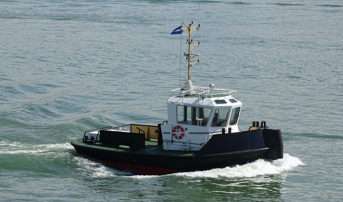 Pushy Cat 1305 has excellent seakeeping behaviour, superb manoeuvrability and outstanding towing characteristics.