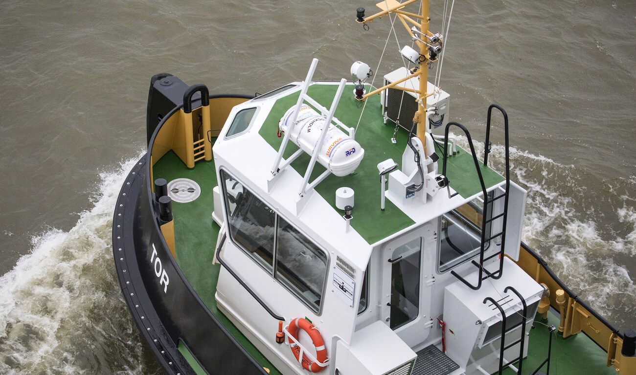 Damen Stan Tug 1205 is a heavily built vessel with rigid foundations, extra plate thickness, extra brackets and extra fendering.