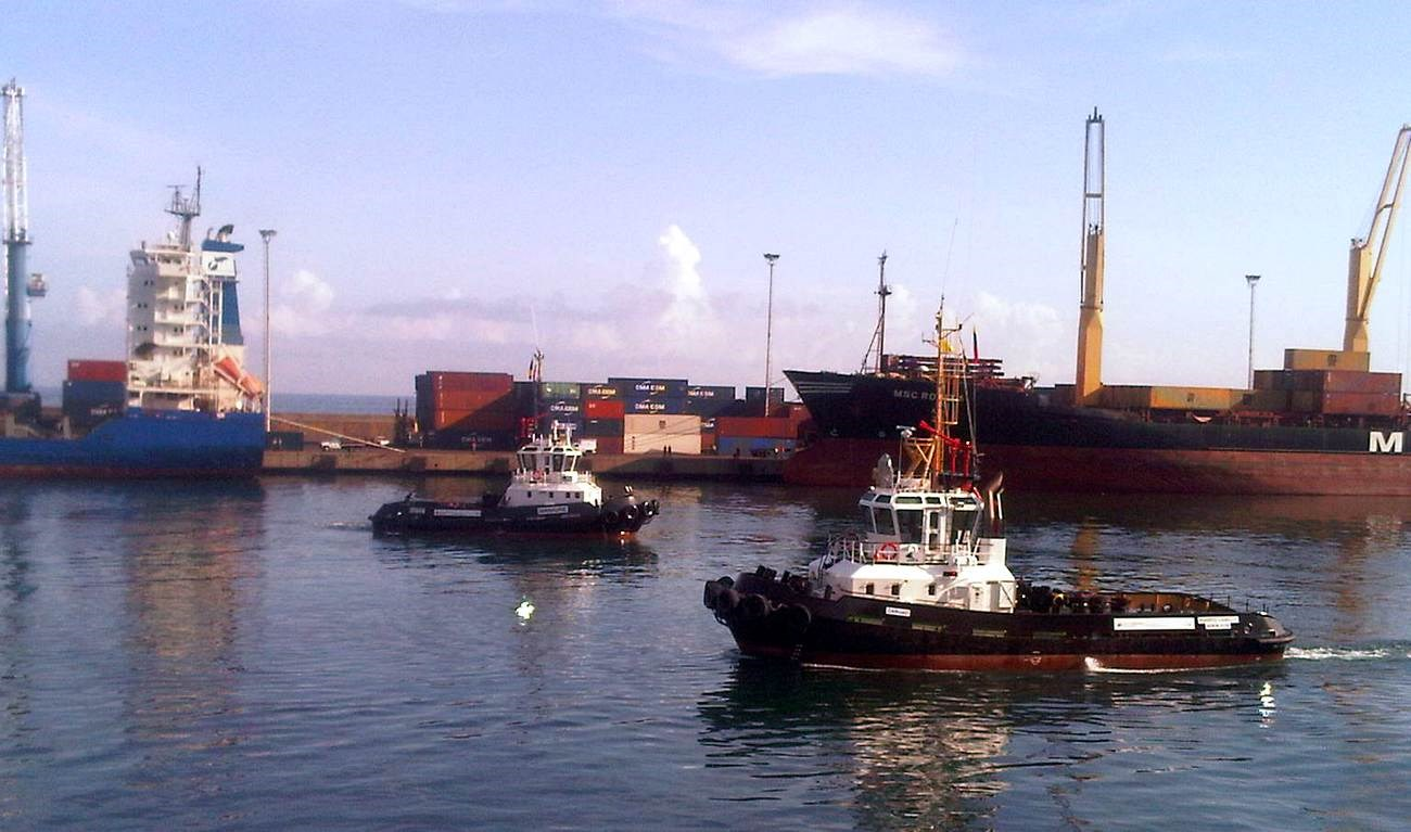 On 14 December 2011, the Damen Stan 2208 Tug 'Manaure' and the Damen Stan 2608 Tug 'Curuao' were delivered to INEA in Venezuela.