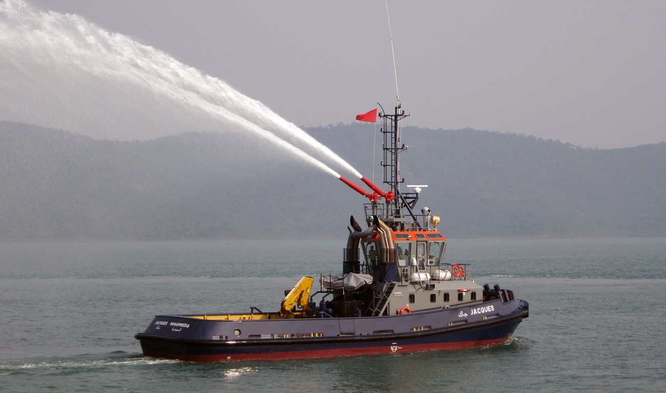 In March 2012 one (of two) Damen Stan 2608 tugs was delivered to Fedala