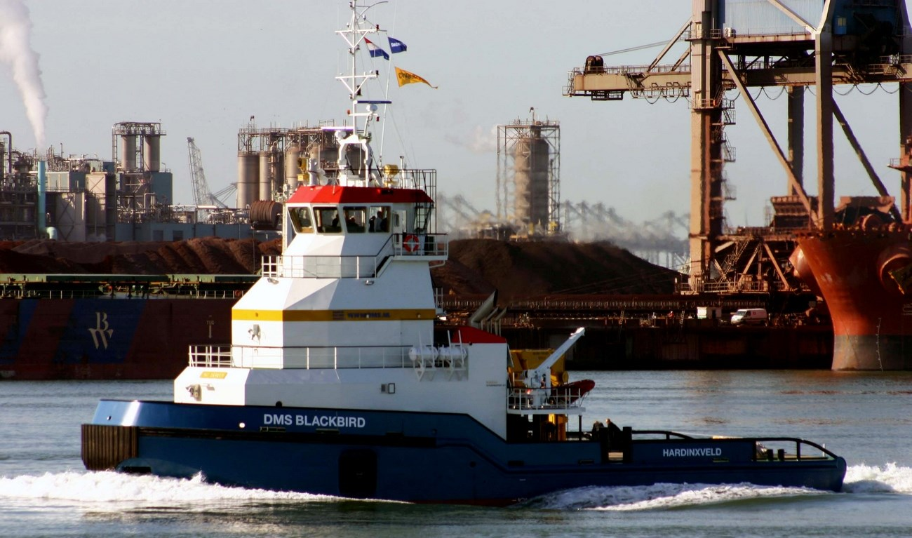 Can operate as a true ATB (Articulated Tug and Barge) unit as well as an independent vessel