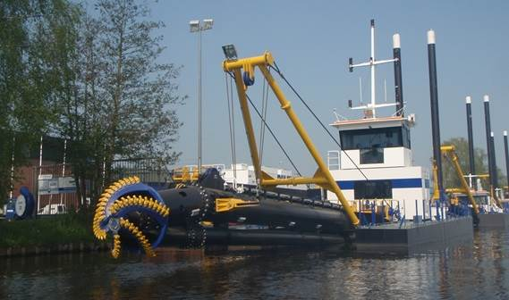 Damen delivered an Environmental CSD 450 named 'Huan Bao 1 Hao' to China