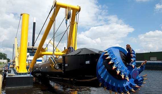 The cutter and Damen dredge pump ensure excellent efficiency