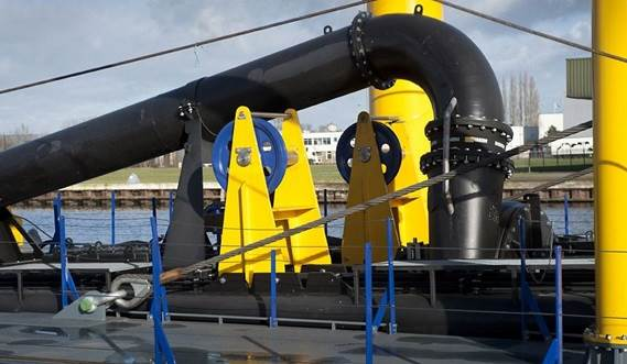 The standard CSD650 can be fitted out with an electrically driven submersed dredge pump to dredge at a max depth of -25 m