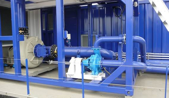 DOP Dredger 350 A separate booster pump on deck multiplies the discharge distance