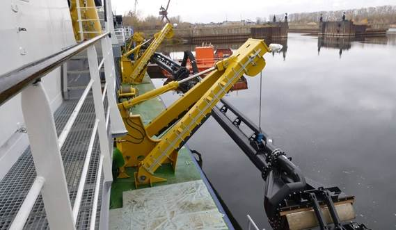 The wide range of standard dredging components combined with tailored elements where required, results in a competitively priced system.