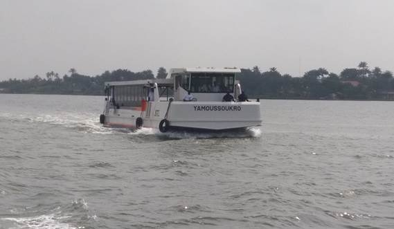 Damen Ferry 1806 at speeds of 10 knots