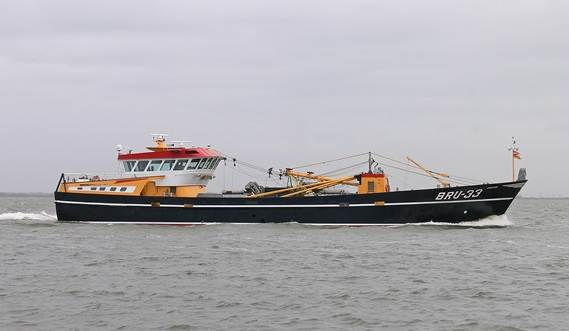 The mussel dredger has the well known, reliable and low maintenance 8-drum Maaskant fishing winch