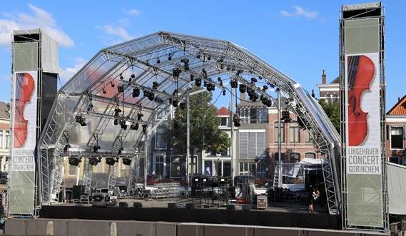 The Damen Modular Concert Pontoon is provided with a modern light and sound installation.