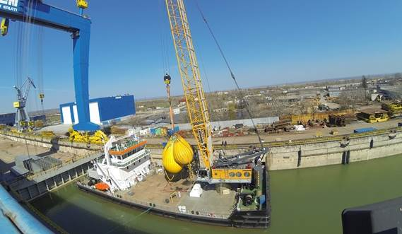 Heavy lifts up to 130 Tonnes at 9 meter