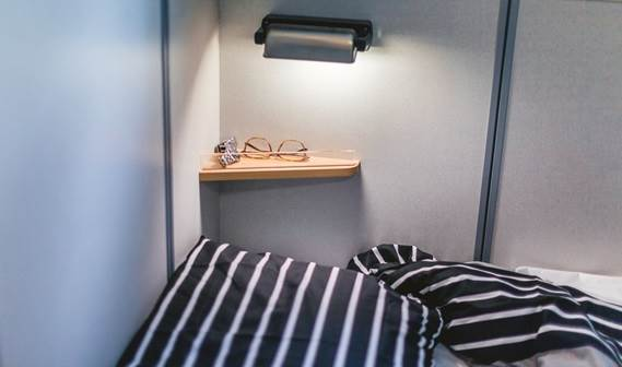 The accommodation has modern furnishings in Damen Standard colours.