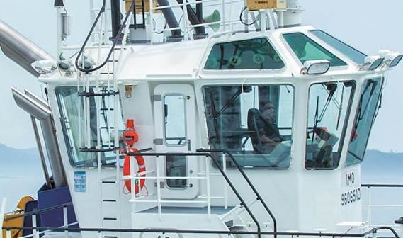 A compact wheelhouse gives the Captain an excellent, all round, 360-degree view.